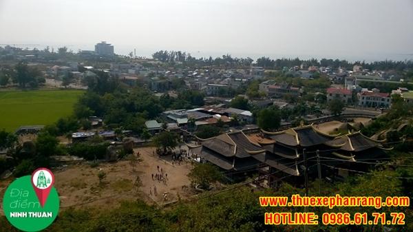 Một góc hướng Đông huyện Ninh Hải nhìn từ Trùng Sơn Cổ Tự