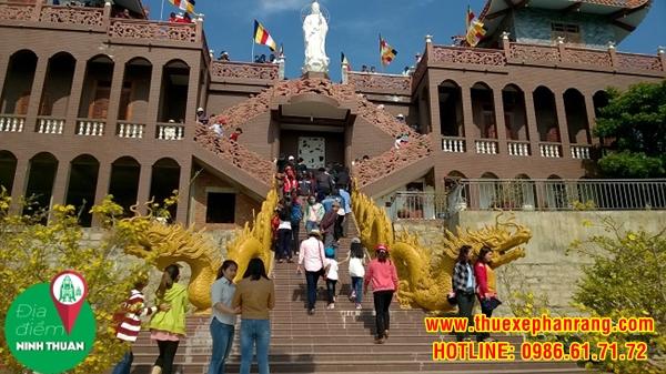 Tổng thể kiến trúc tiền đường Trùng Sơn cổ Tự